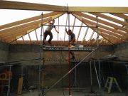 houten dakstructuur in werf yoga paviljoen in Gent door ROBUUST architectuur en onderzoek